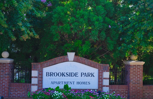 Brookside Park Sign